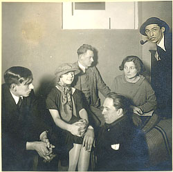 Kurt Schwitters with Vordemberge-Gildewart, Nelly and Theo van Doesburg, Kate Steinitz and Hans Nitzschke in Hanover, 1925